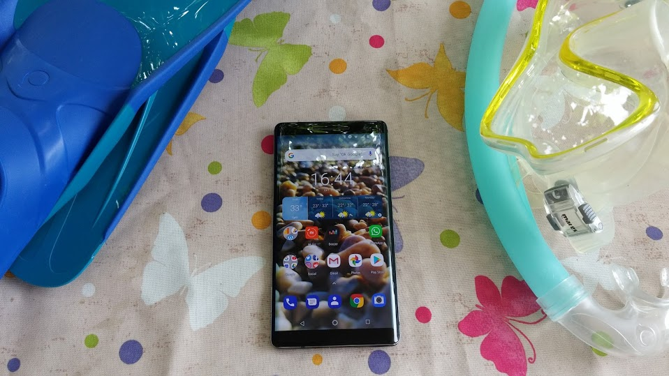 Nokia 8 Sirocco finally gets a slice of Android 9 Pie